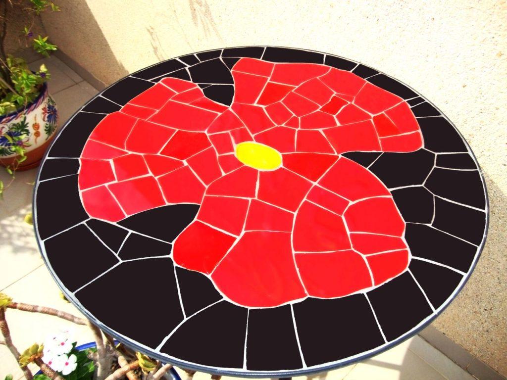 mosaïque table en fer forgé