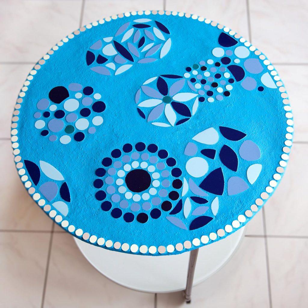 mosaïque table bleue